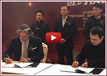 Marco M. Zoppi firma un contratto di Trust con il rappresentante del Governo della città di Wenzhou